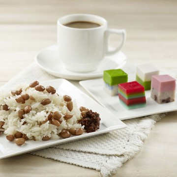 Glutinous Rice Set (Choice of Ondeh /Mini Kueh)