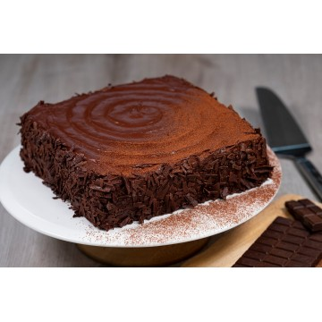 Classic Chocolate Fudge Cake